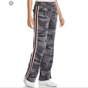 Splendid Track Stripe Raw Edge Camo Sweatpants XS